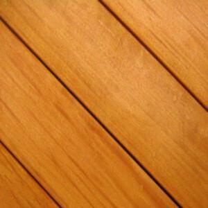 tarima exterior de madera natural accoya