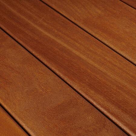tarima exterior de madera natural cumaru